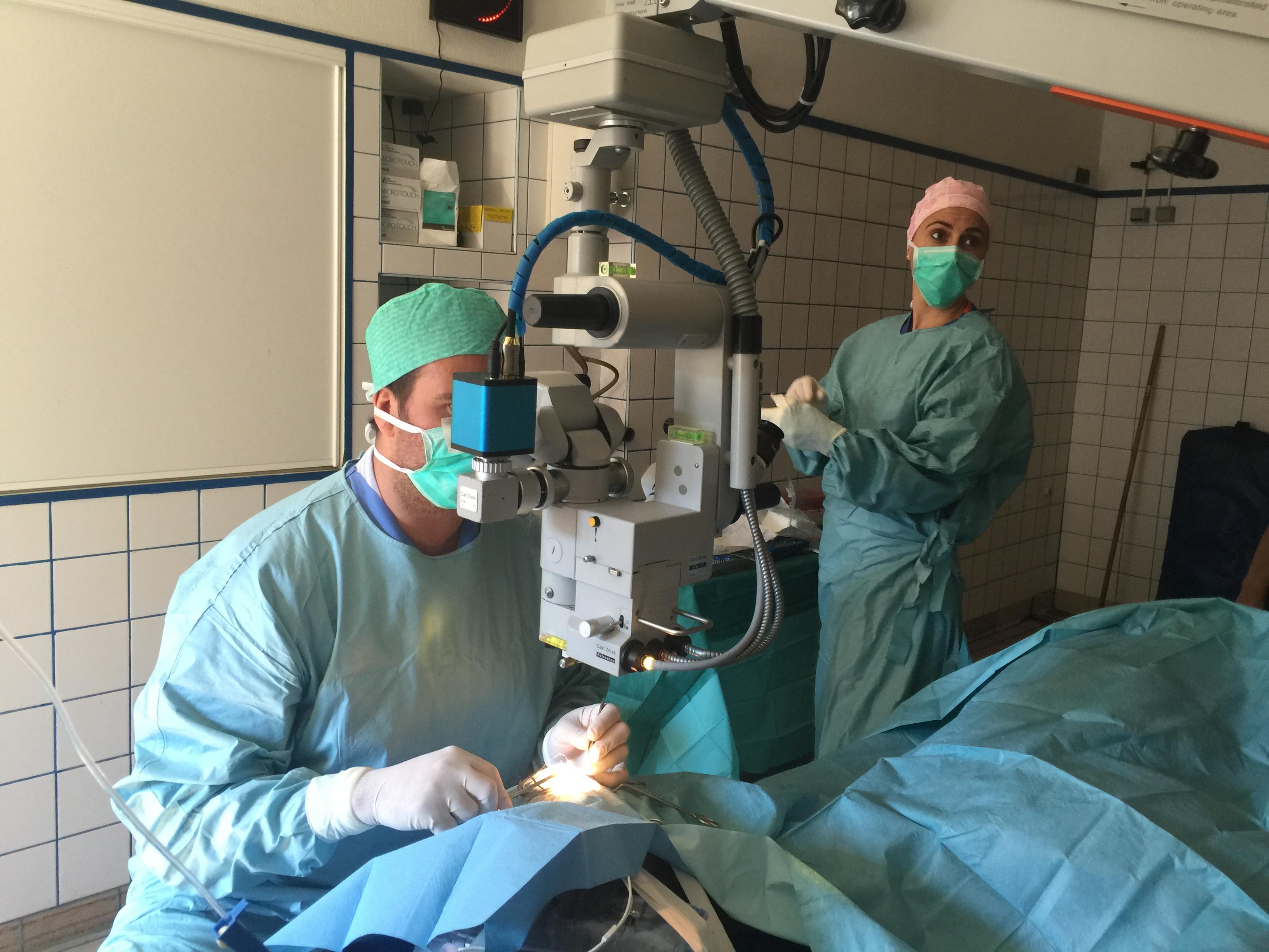 Microscope opératoire