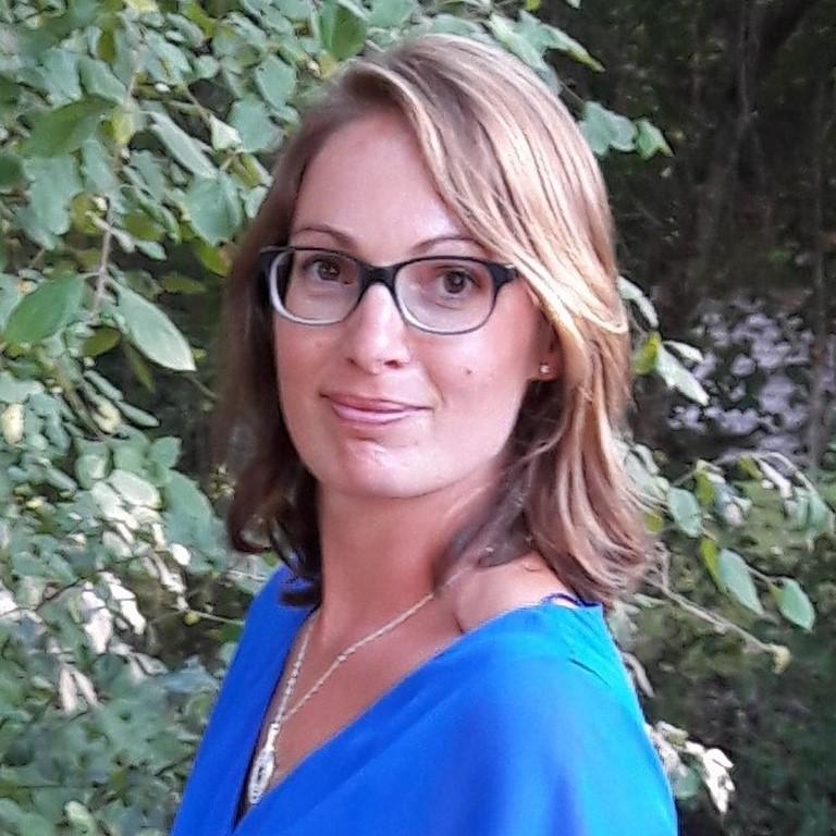 Dr Alicia Rhein